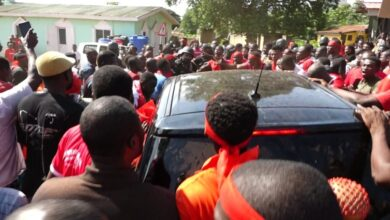 Photo of Photos: Madina Youth Resist Attempts By Police To Arrest MP